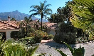 Spacious luxurious villa for sale, at the centre of the Golf valley Nueva Andalucia at Marbella 5