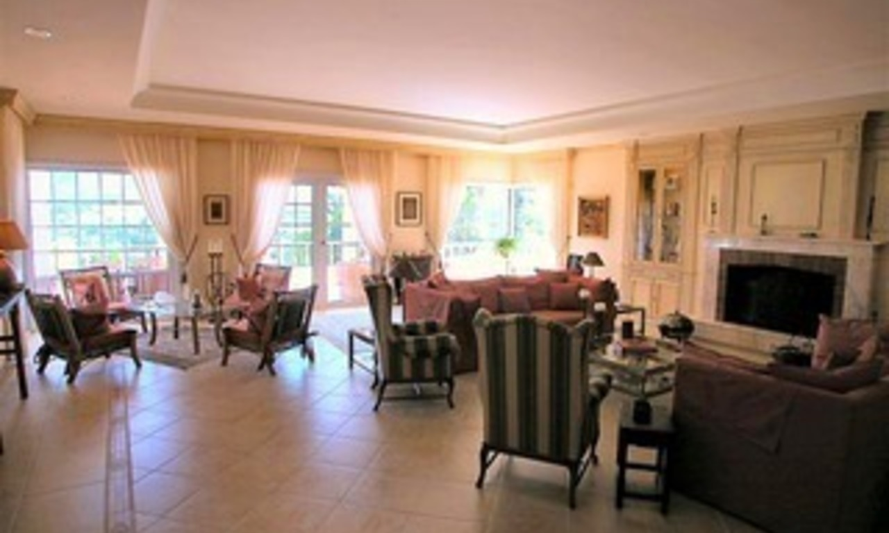 Spacious luxurious villa for sale, at the centre of the Golf valley Nueva Andalucia at Marbella 6