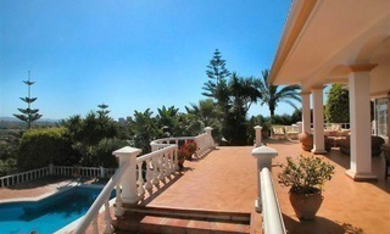 Spacious luxurious villa for sale, at the centre of the Golf valley Nueva Andalucia at Marbella 1
