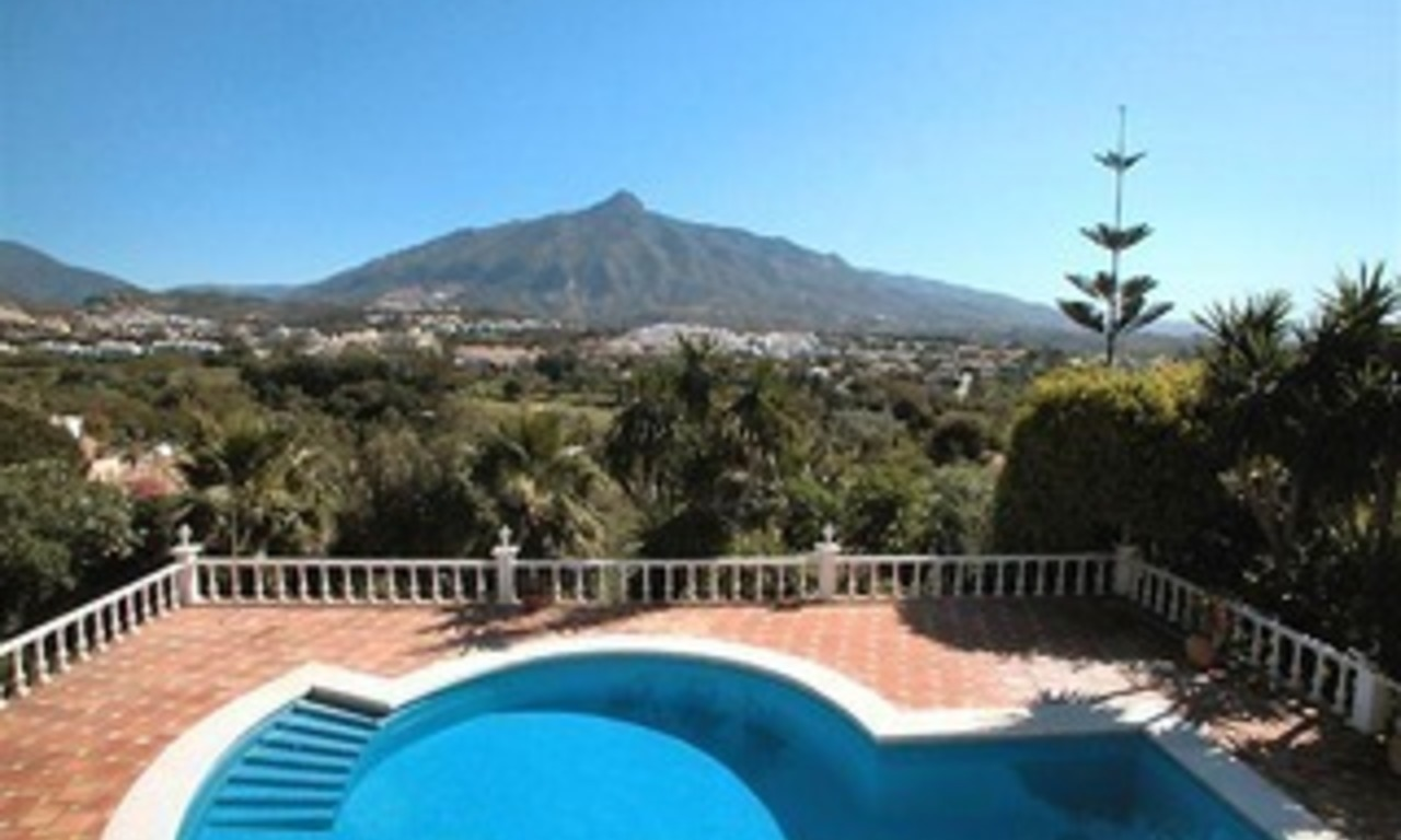Spacious luxurious villa for sale, at the centre of the Golf valley Nueva Andalucia at Marbella 0