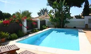 Beachside villa for sale, Los Monteros, Marbella 1