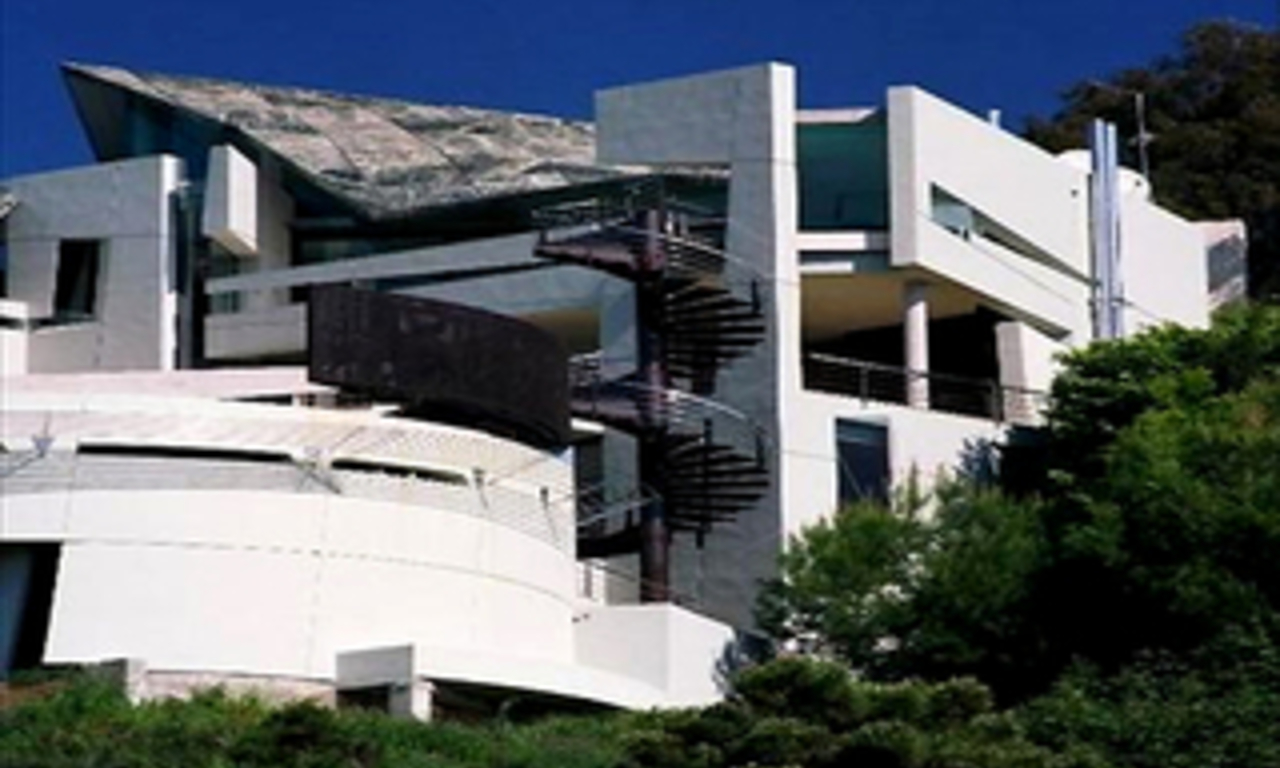 Unique property - contemporary villa for sale, frontline golf, Marbella 1