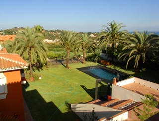 Villa for sale within own private secure urbanisation, Marbella east 3