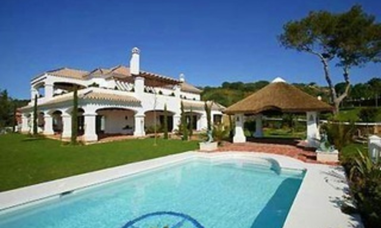 Exclusive villa for sale in Sotogrande Alto 0