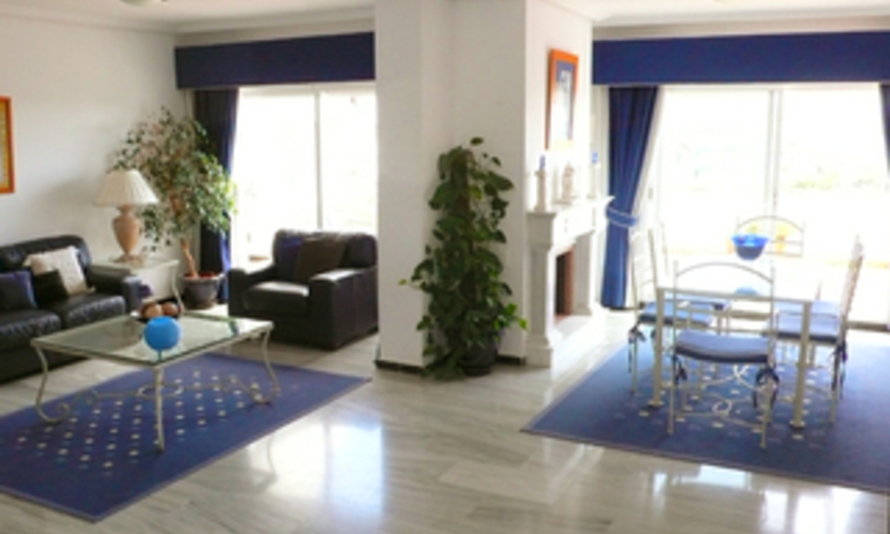 Beachside Penthouse apartment for sale in Puerto Banus, Marbella 4