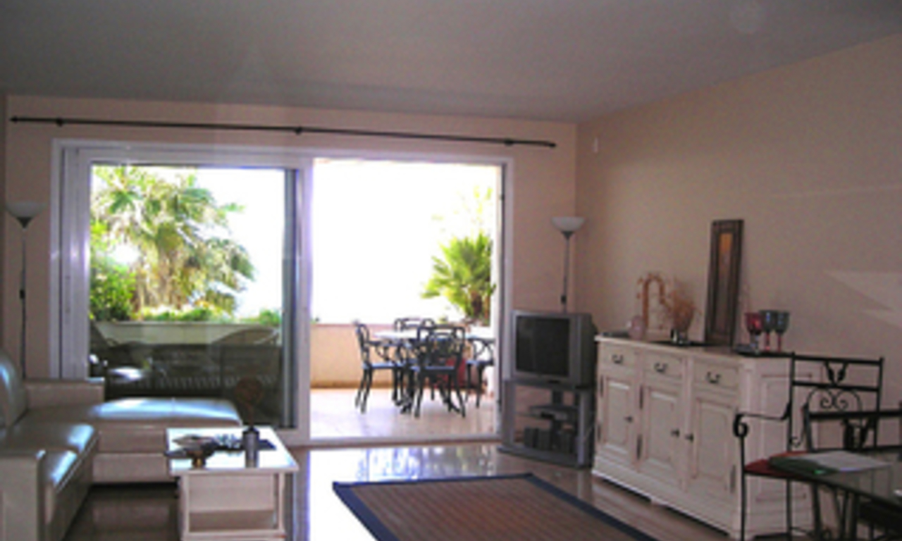 Frontline beach apartment for sale, beachfront / first line beach, Marbella - Estepona. 2