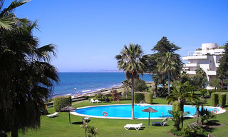 Frontline beach apartment for sale, beachfront / first line beach, Marbella - Estepona. 1