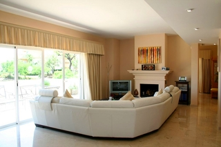 Penthouse and apartment for sale in Elviria, Marbella 3