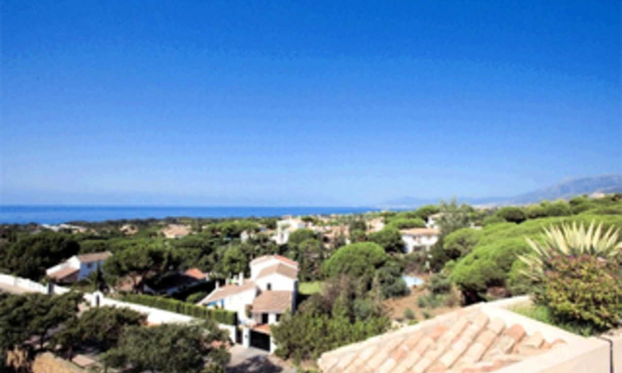 Penthouse and apartment for sale in Elviria, Marbella 1