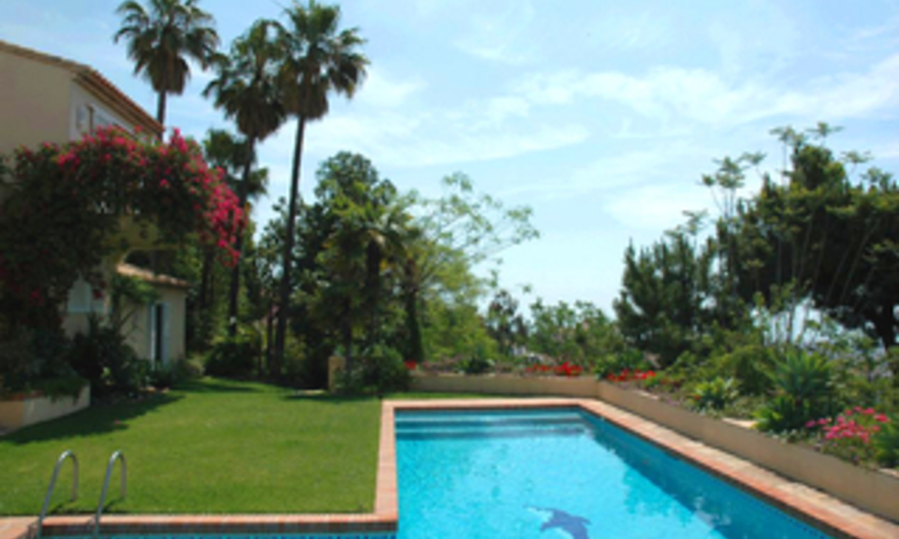 Villa with 2 guesthouses for sale - Marbella - Benahavis 4
