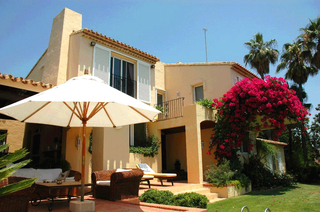 Villa with 2 guesthouses for sale - Marbella - Benahavis
