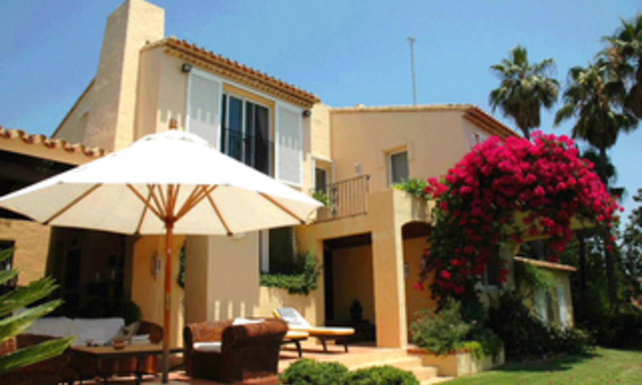Villa with 2 guesthouses for sale - Marbella - Benahavis 0