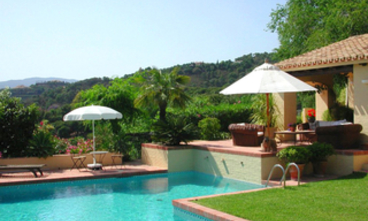 Villa with 2 guesthouses for sale - Marbella - Benahavis 2