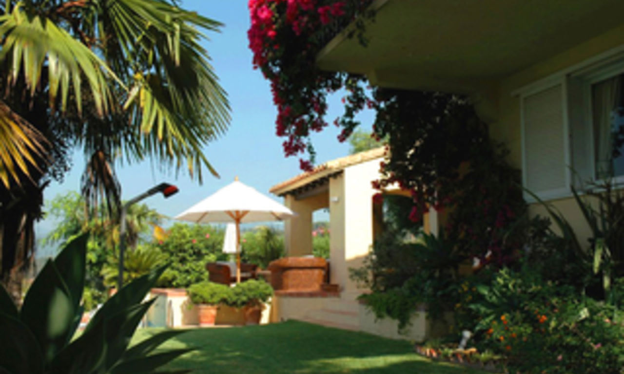 Villa with 2 guesthouses for sale - Marbella - Benahavis 5