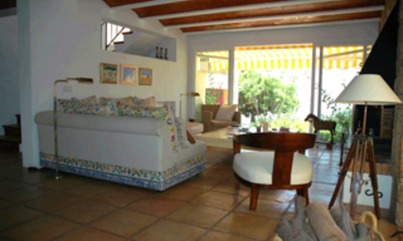 Villa with 2 guesthouses for sale - Marbella - Benahavis 6
