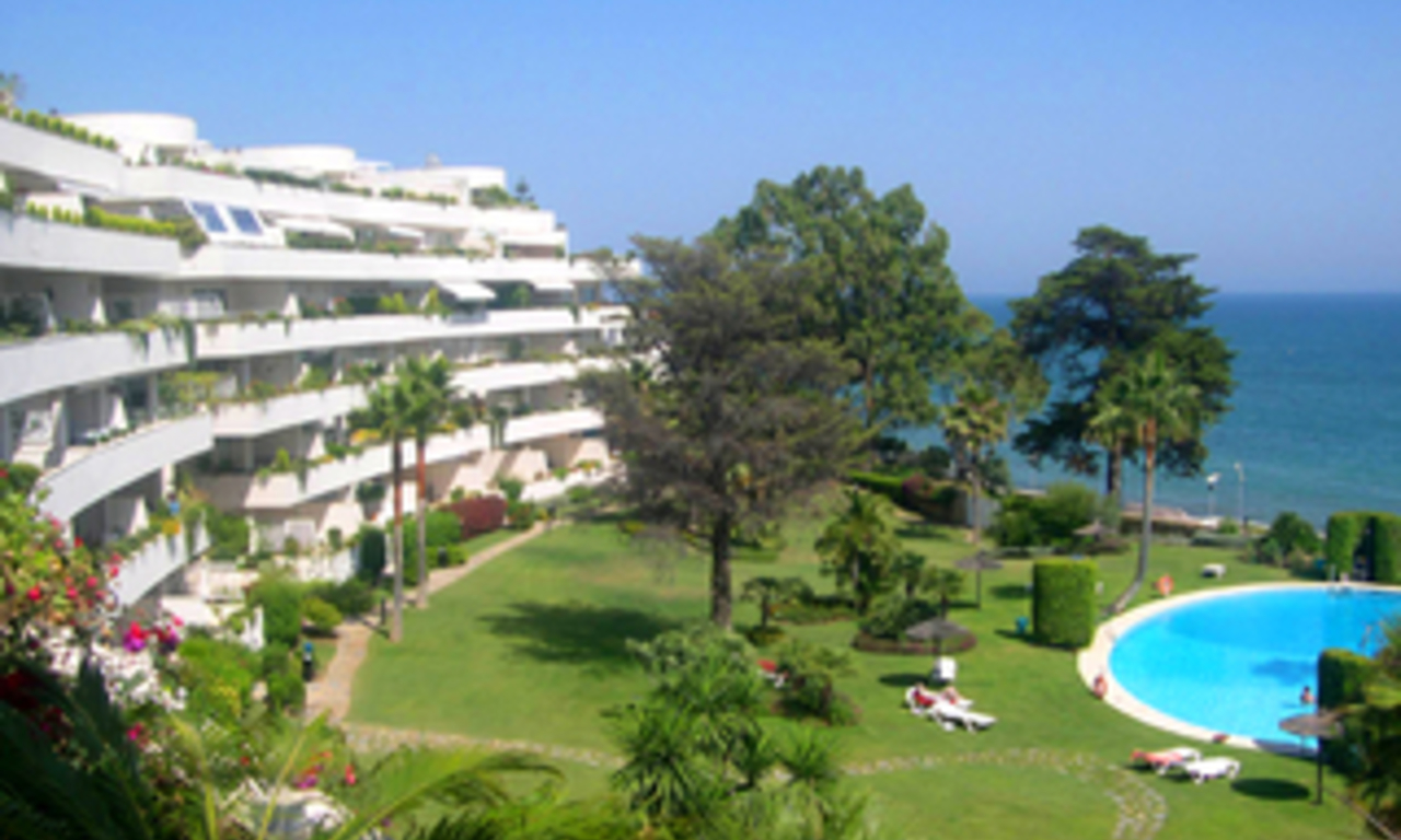 Frontline beach apartment to buy, Sea and beachfront complex, first line beach, New Golden Mile, Marbella - Estepona. 0