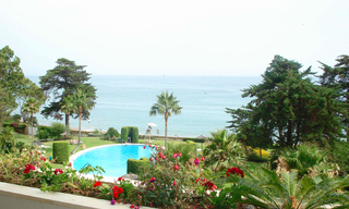 Frontline beach apartment to buy, Sea and beachfront complex, first line beach, New Golden Mile, Marbella - Estepona. 1