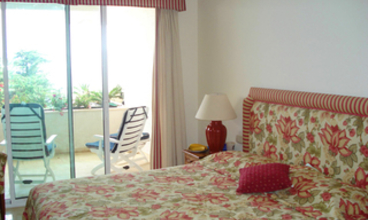 Frontline beach apartment to buy, Sea and beachfront complex, first line beach, New Golden Mile, Marbella - Estepona. 5