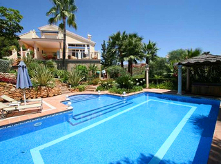 Villa for sale in Hacienda Las Chapas, Marbella