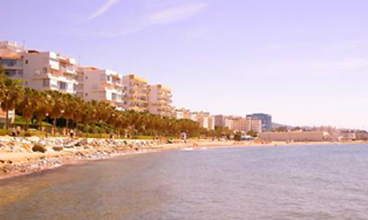 Beachfront apartment for sale, centre Marbella 0