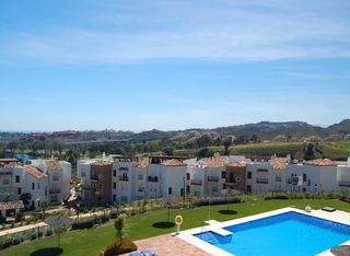 Bargain New Golf apartments for sale, Golfcourse, Marbella - Benahavis area 1