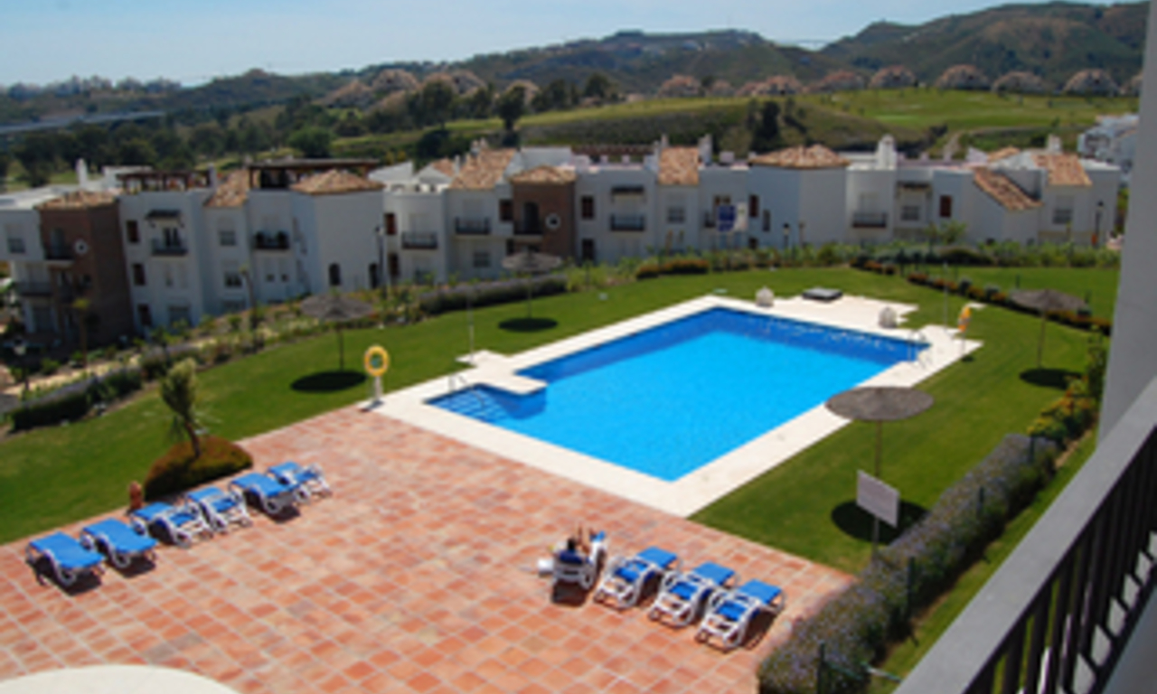 Bargain New Golf apartments for sale, Golfcourse, Marbella - Benahavis area 2