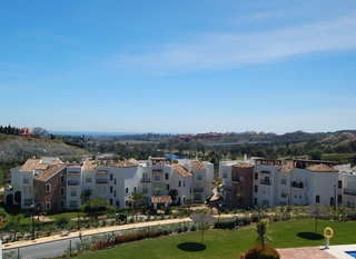 Bargain New Golf apartments for sale, Golfcourse, Marbella - Benahavis area 3