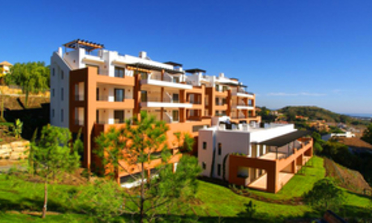 Bargain luxury New Penthouse apartment for sale, Nueva Andalucia, Marbella - Benahavis 1
