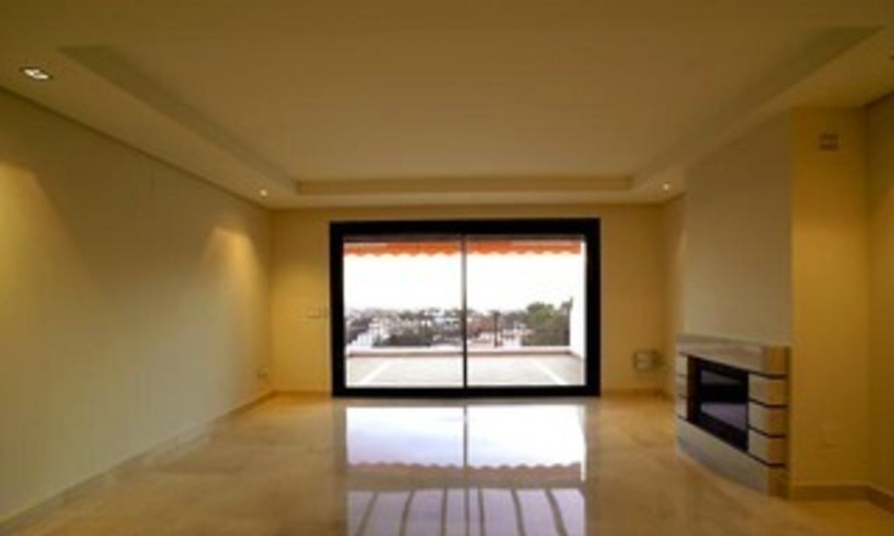 Bargain luxury New Penthouse apartment for sale, Nueva Andalucia, Marbella - Benahavis 2