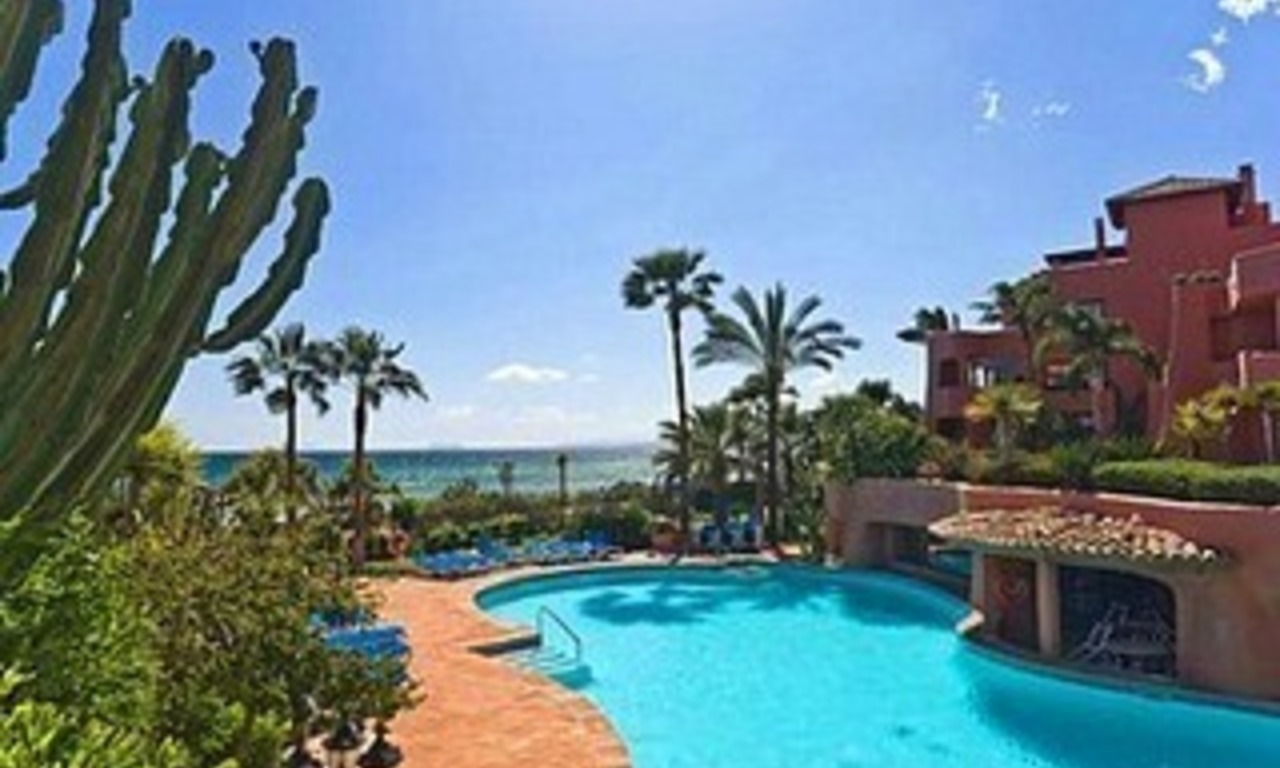 Frontline beach Penthouse apartment for sale, New Golden Mile, Marbella - Estepona 3