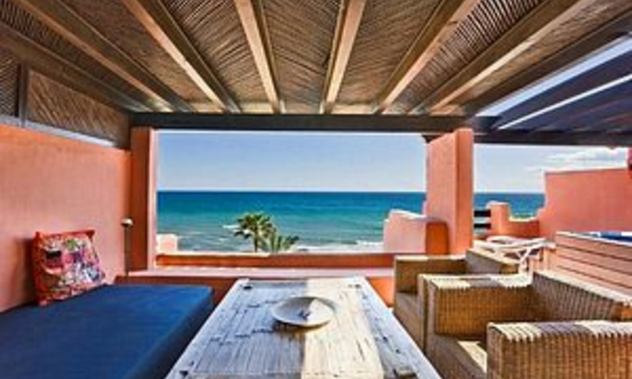 Frontline beach Penthouse apartment for sale, New Golden Mile, Marbella - Estepona 2
