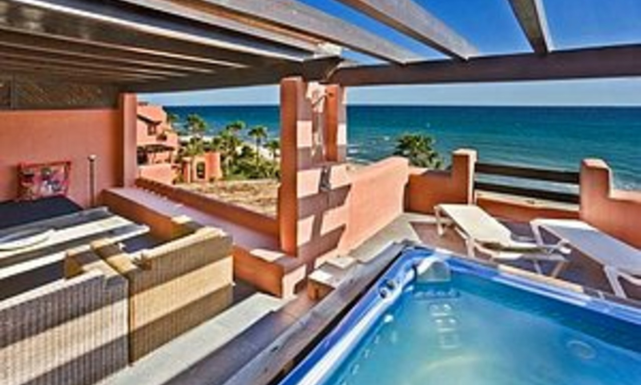 Frontline beach Penthouse apartment for sale, New Golden Mile, Marbella - Estepona 1