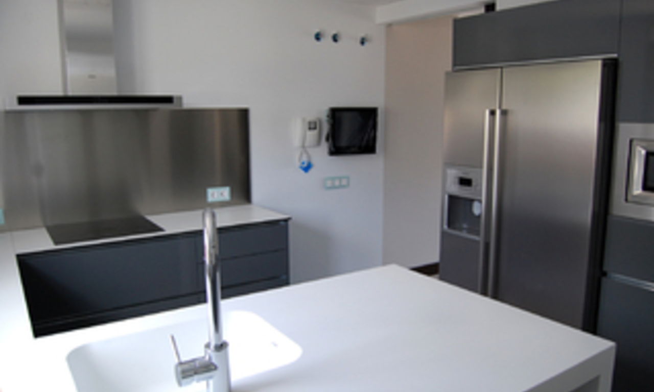 Bargain. Modern new apartment for sale, Marbella - Benahavis 6