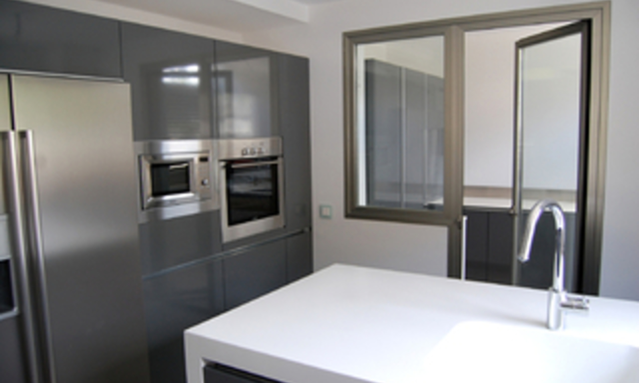 Bargain. Modern new apartment for sale, Marbella - Benahavis 7