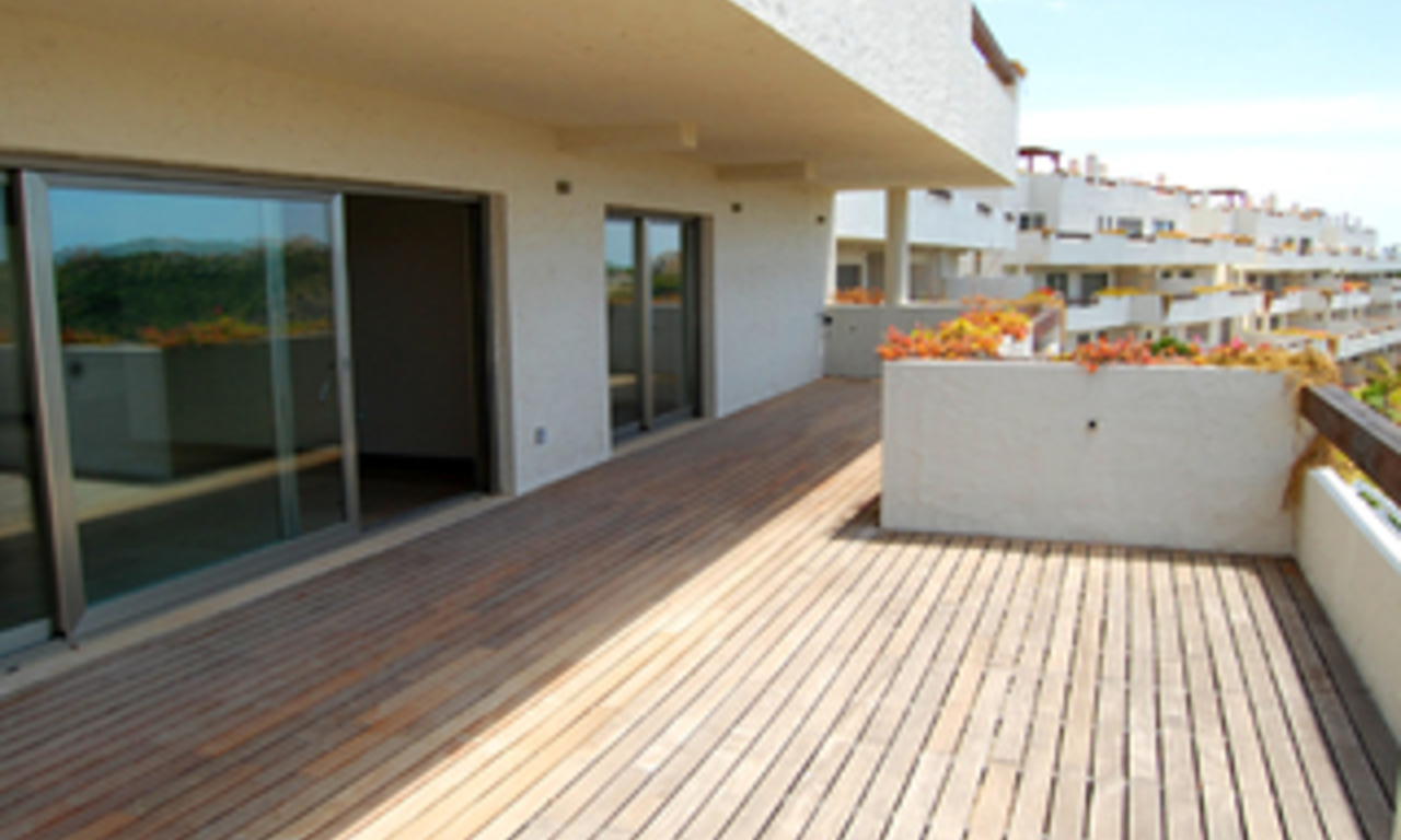 Bargain. Modern new apartment for sale, Marbella - Benahavis 2