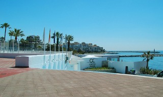 Beachside apartment for sale, 2nd line beach, Puerto Banus - Marbella 18
