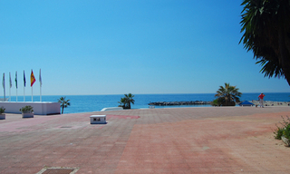 Beachside apartment for sale, 2nd line beach, Puerto Banus - Marbella 15
