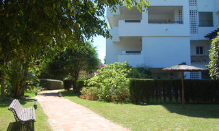 Beachside apartment for sale, 2nd line beach, Puerto Banus - Marbella 4