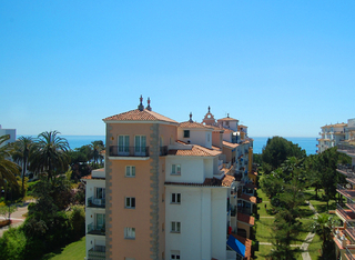 Beachside apartment for sale, 2nd line beach, Puerto Banus - Marbella