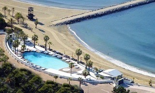 Beachside apartment for sale, 2nd line beach, Puerto Banus - Marbella 19