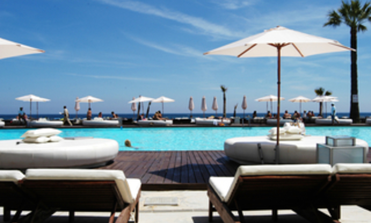 Beachfront penthouse for sale in Puerto Banus - Marbella 18