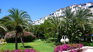 Beachfront penthouse for sale in Puerto Banus - Marbella 5