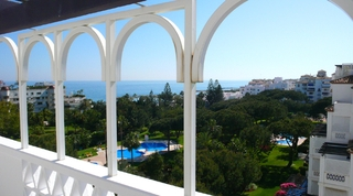 Beachfront penthouse for sale in Puerto Banus - Marbella 4