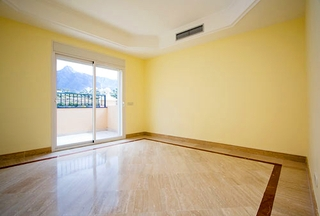 Luxury penthouse apartment for sale, Golden Mile, Marbella 14