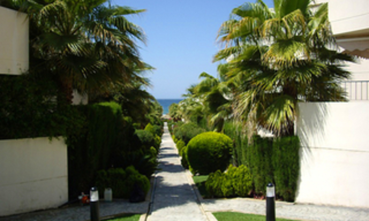 Beachside house for sale in beachfront complex at Marbella east 7
