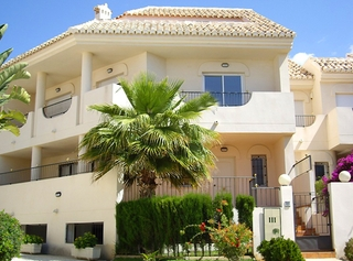 Beachside house for sale in beachfront complex at Marbella east 8