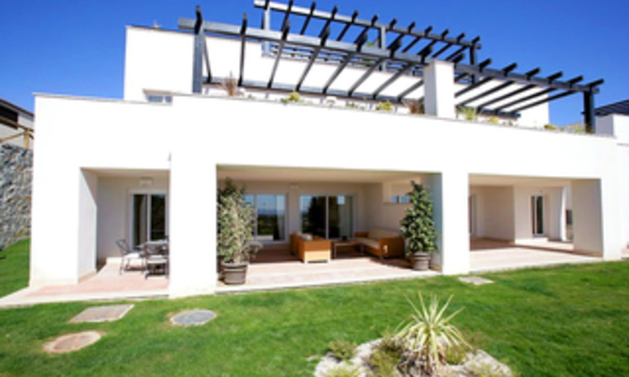 Luxury apartments for sale at Golf resort, Marbella east 1