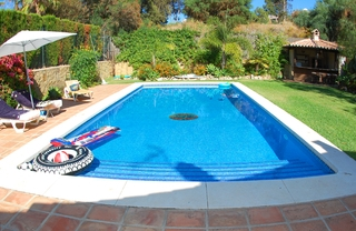 Beachside villa for sale, close to the beach in Marbella east 2