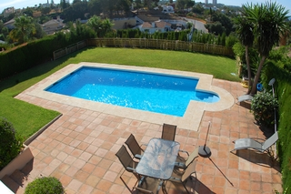 Villa to buy in Elviria at Marbella on the Costa del Sol, Spain 2