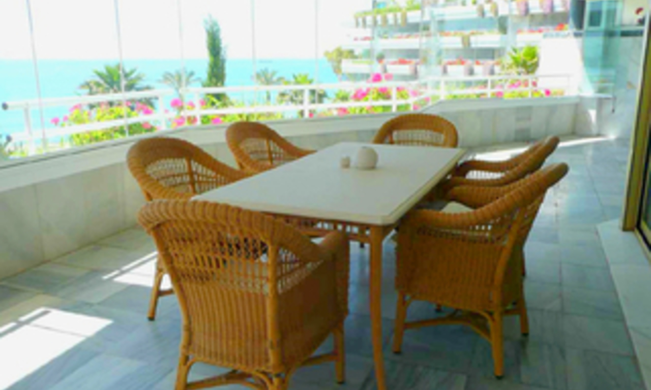 Beachfront apartment to buy, Golden Mile, Puerto Banus - Marbella 2